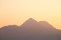 Panorama-of-mountains-in-the-alps-at-sunset-7