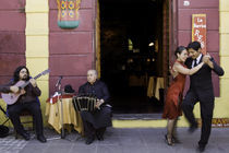 tango dance couple 4 Buenos Aires La bocaca von Leandro Bistolfi