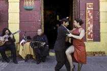 tango dance couple 3 Buenos Aires La boca von Leandro Bistolfi