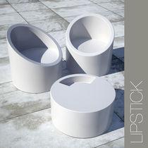 Lipstick chair and table von polysense