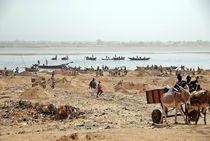 Sandgewinnung am Niger von Walter Vymyslicky
