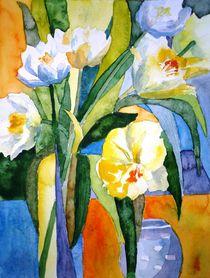 Blütenkomposition weiße Tulpen von Claudia Pinkau