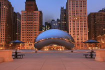 The Cloud Gate im Millennium Park, Chicago by geoland