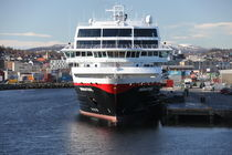 Hurtigrutenschiff MS Midnatsol - 1 by oktopus4