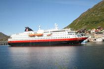Hurtigrutenschiff MS Nordlys  by oktopus4