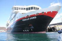 Hurtigrutenschiff MS Trollfjord - 1 by oktopus4
