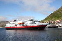 Hurtigrutenschiff MS Finnmarken by oktopus4