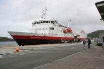 Hurtigrutenschiff MS Vesterålen  by oktopus4