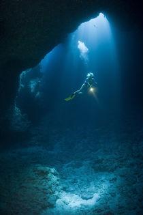 Unterwasserhöhle by Reinhard Dirscherl