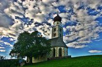Kapelle in Südtirol im Gegenlicht by rheo
