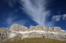 Cirruswolken über Dolomitenmassiv by rheo
