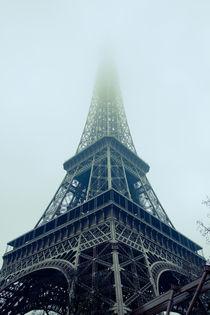 Eiffelturm bei Nebel, Paris by René Aigner