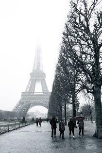 Eiffelturm im Nebel II, Paris by René Aigner