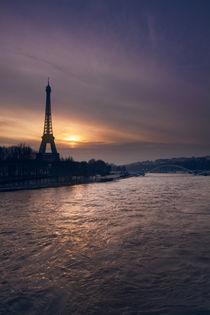 Blick auf den Eiffelturm und die Seine II by René Aigner