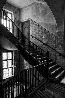 Schönheit des Verfalls - Treppe von Marc Mielzarjewicz