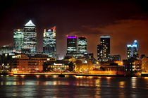 Canary Wharf by Len Bage