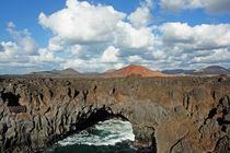 Lanzarote, junge Vulkanlandschaft by Frank Rother