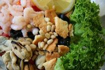 Fresh seafood salad von Vsevolod Zelikov