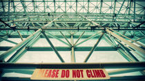 Please Do Not Climb by Sookie Endo