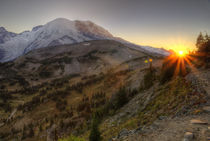 Mt Rainier Sunset by tgigreeny