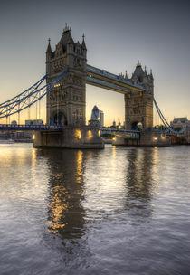 Tower Bridge by tgigreeny
