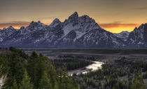 Sunset in the Tetons by tgigreeny