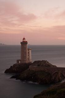 Leuchtturm im  Abendlicht von Julia Scho