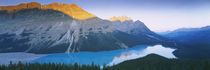 Mountains next to a lake, Peyto Lake, Banff National Park, Alberta, Canada von Panoramic Images