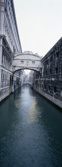 Bridge across the canal, Bridge Of Sighs, Rio Di Palazzo, Venice, Veneto, Italy von Panoramic Images