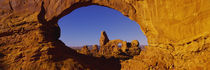 Natural arch on a landscape, Arches National Park, Utah, USA von Panoramic Images