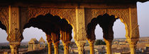 Monuments at a place of burial, Jaisalmer, Rajasthan, India von Panoramic Images