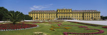Facade of a building, Schonbrunn Palace, Vienna, Austria von Panoramic Images