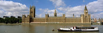 Houses Of Parliament, Water And Boat, London, England, United Kingdom von Panoramic Images