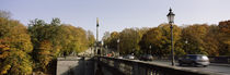 Cars on the bridge, Friedensengel, Munich, Bavaria, Germany von Panoramic Images