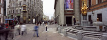 Group of people walking on the street, Arbat Street, Moscow, Russia von Panoramic Images