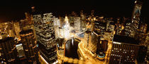 USA, Illinois, Chicago, Chicago River, High angle view of the city at night von Panoramic Images