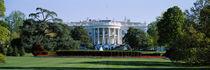 Panorama Print - Rasen vor einem Regierungsgebäude in Washington DC, USA von Panoramic Images