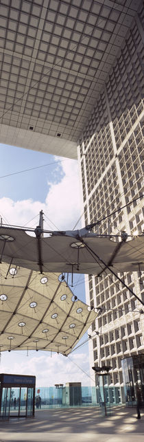 Canopy under an arch, Grande Arche, La Defense, Paris, Ile-de-France, France von Panoramic Images