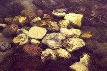 Steine im Wasserlauf II von dresdner