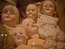 Dolls von Cristobal Ladron de Guevara