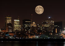 Montreal Full Moon by Martin Barabe