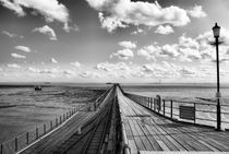 Southend Pier by jaroszpilewski