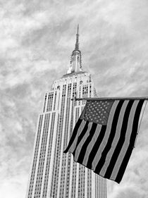 Flagge und Empire State Building by buellom