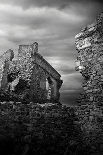 Old Castle by Luis  Bordalo