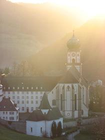 Faith and Light von Eszter Fézler