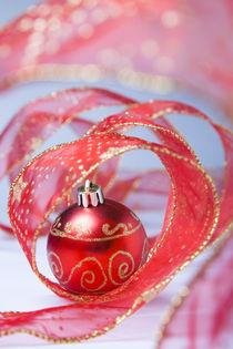 Christmas bauble von Alex Bramwell