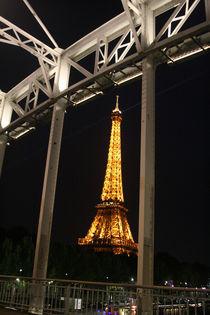 Eiffelturm in der Brücke von Emanuel Lonz