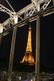Eiffelturm in der Brücke by Emanuel Lonz