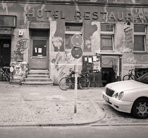 Kreutzbberg Street Scene: Berlin by Ron Greer