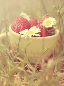 Summer cup I by Yevgeniya Prorvina